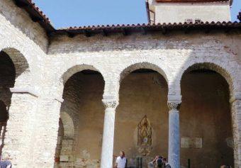 Atrium Bazyliki Eufrazjusza