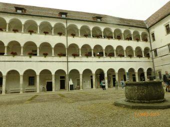 Dziedziniec zamku w Brežice