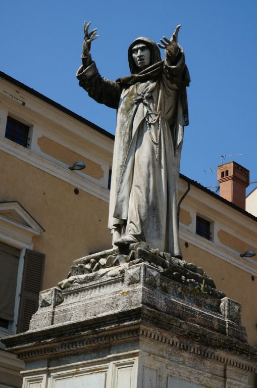 Pomnik Girolama Savonaroli w Ferrarze