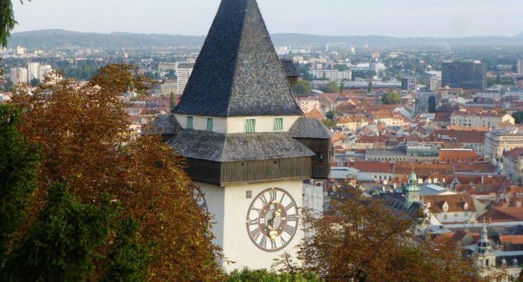 Graz, Austria - widok miasta ze wzgórza zamkowego