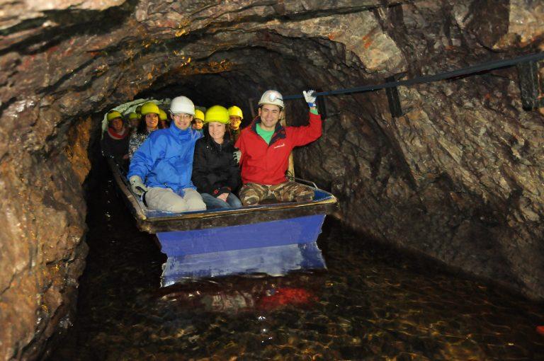 Spływ w kopalni złota