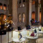 Luksusowy dom towarowy w zabytkowym pałacu