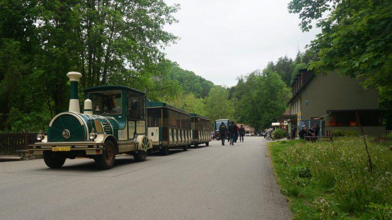 Pociąg dowożący do Jaskini Punkevni