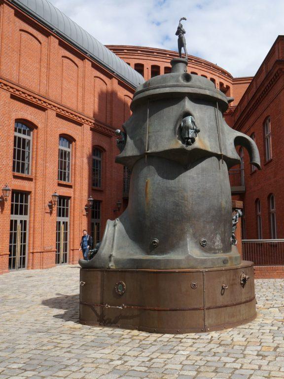 Kufel - rzeźba z brązu, Wojciech Kujawski 2007