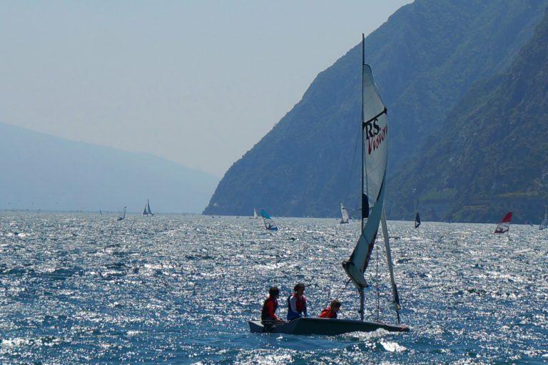 Sporty wodne na Jeziorze Garda we Włoszech