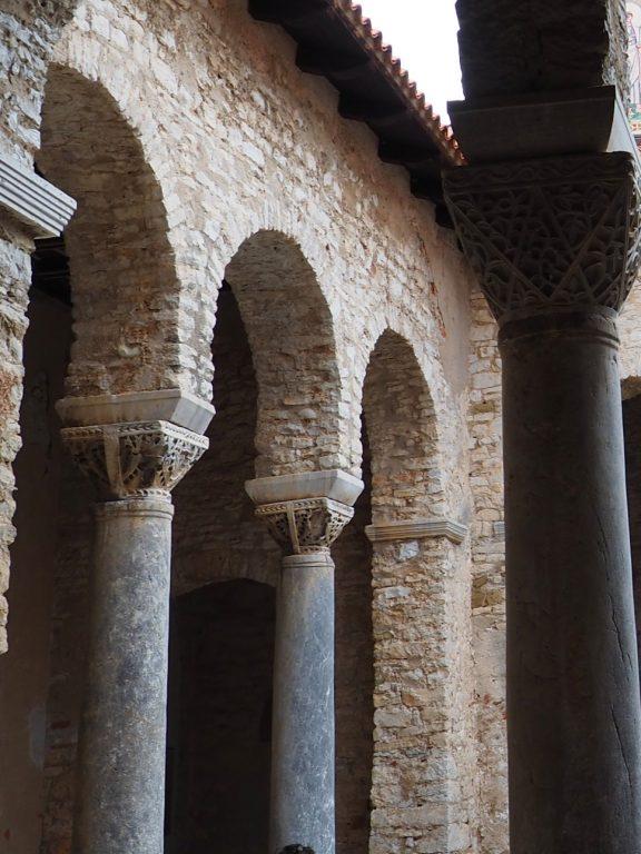 Kolumny atrium, Bazylika Eufrazjusza w Porecu