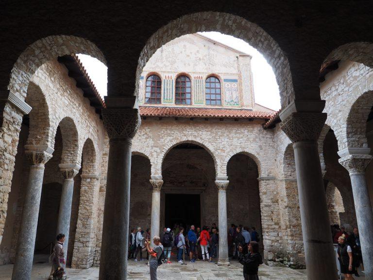 Atrium, Bazylika Eufrazjusza w Porecu