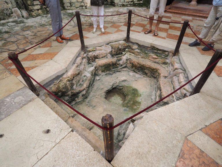 Chrzcielnica, Bazylika Eufrazjusza w Porecu