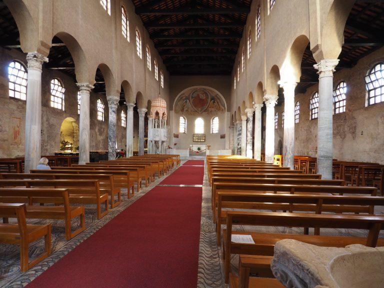 Wnętrze Bazyliki św. Eufemii w Grado