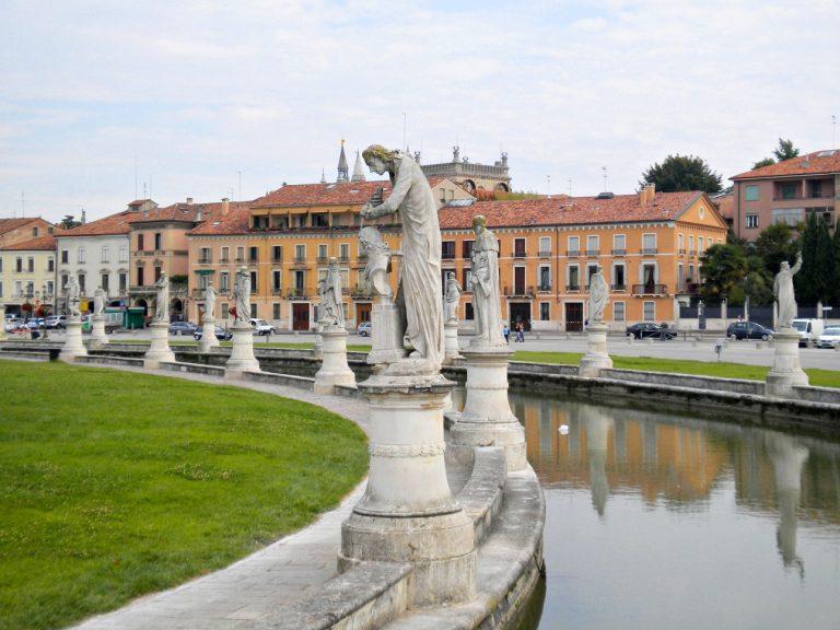 Plac Prato della Valle w Padwie